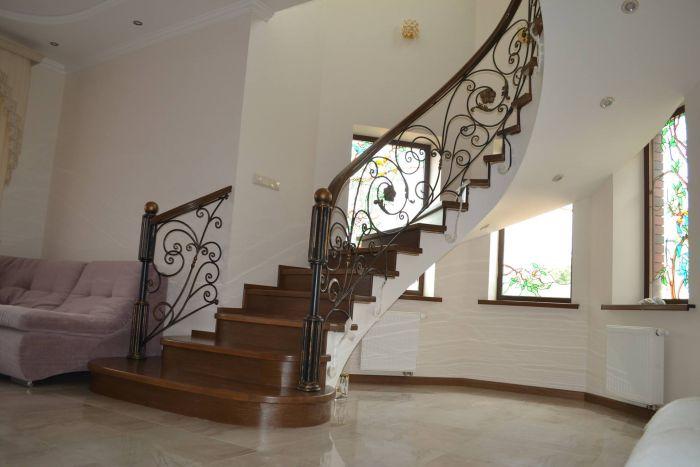 Деревянные столбы для лестниц по низкой цене в - itWoodru